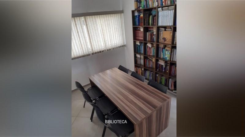 Postiglione Biblioteca 1